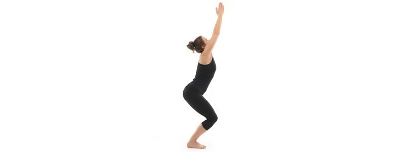 Postura básica de hatha yoga para principiantes