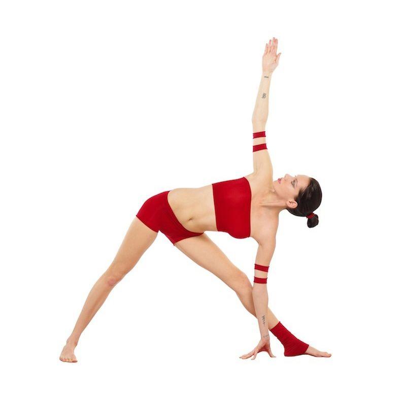 Trikosana o postura del triángulo