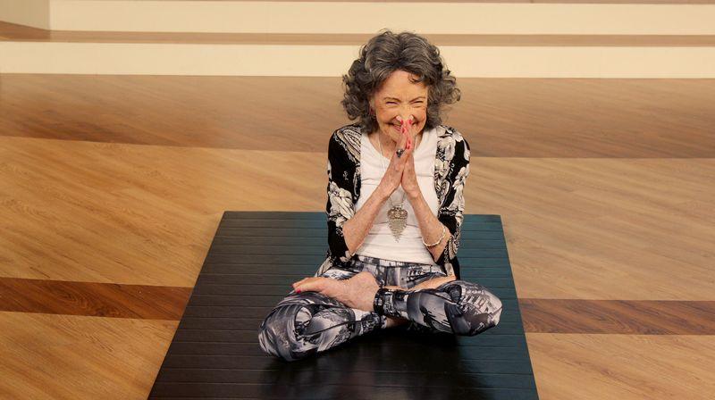 yoga para mayores de 80 años