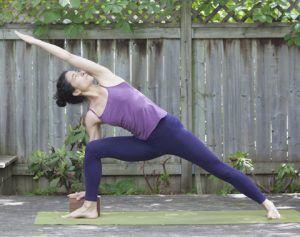 Puedes usar un Bloque de Yoga para realizar la asana