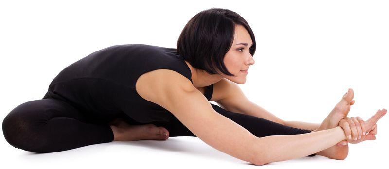 Postura de yoga janu sirsana para controlar la ansiedad