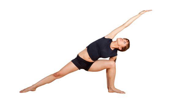 Postura del triángulo bikram