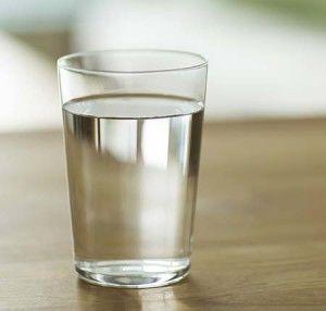 ejercicio de concentración. Trataka del agua