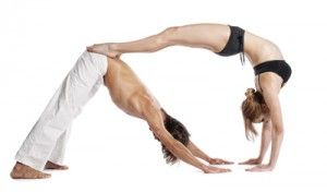 Yoga en pareja El perro