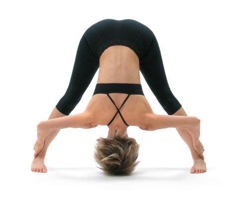 uttanasana  postura de la pinza beneficios y 5 variantes