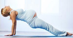 Yoga en casa para embarazadas